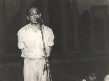 Barrister Lutfar Rahman Shahjahan speaking at Central Shahid Minar, Dhaka, April 07, 1993